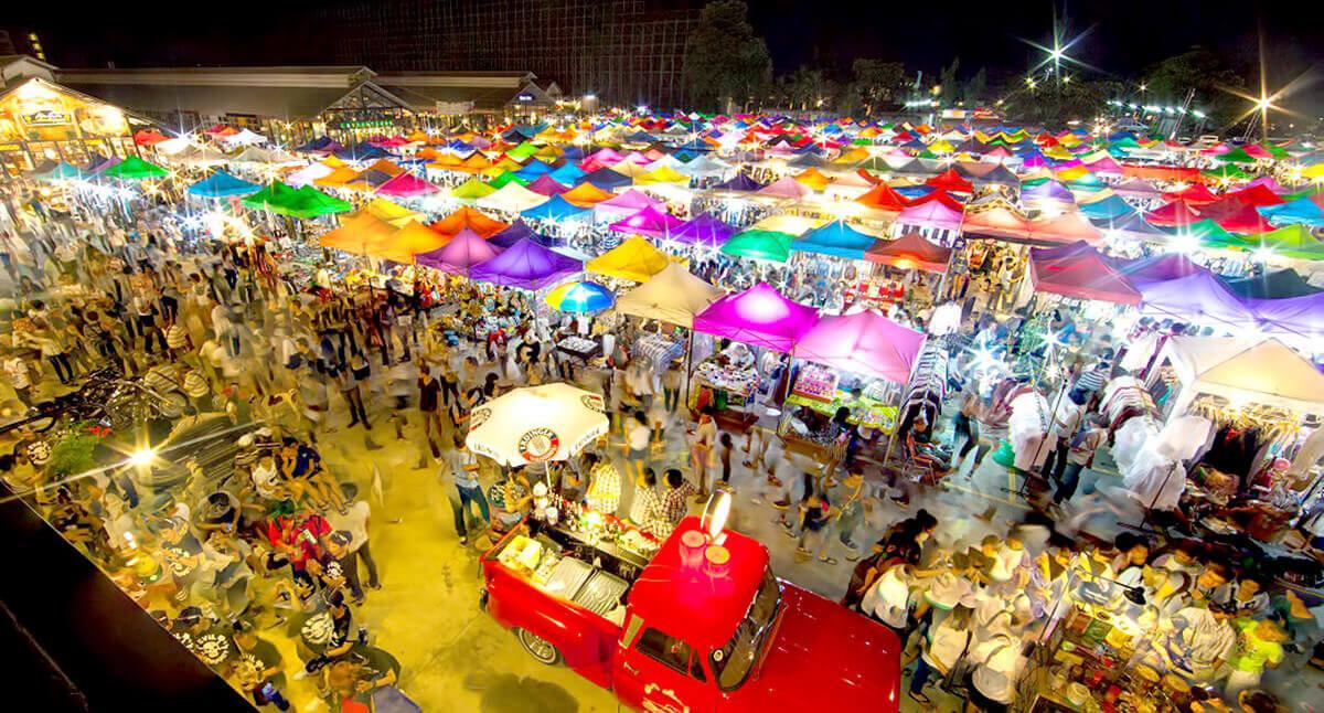 Chợ Chatuchak tập trung nhiều mặt hàng Thái Lan