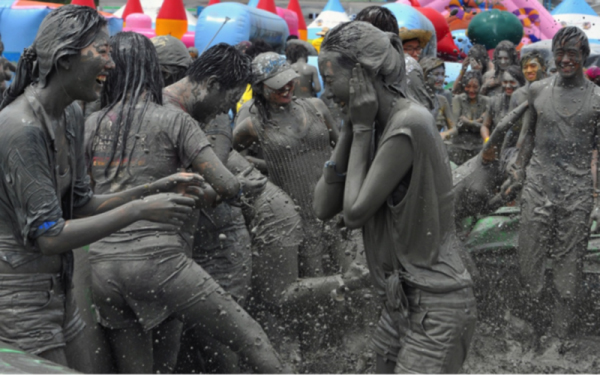 King nghiệm du lịch Hàn Quốc- hòa nhịp lễ hội bùn